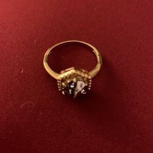 NWOT Costume jewelry gold tone ring w/ grey stone